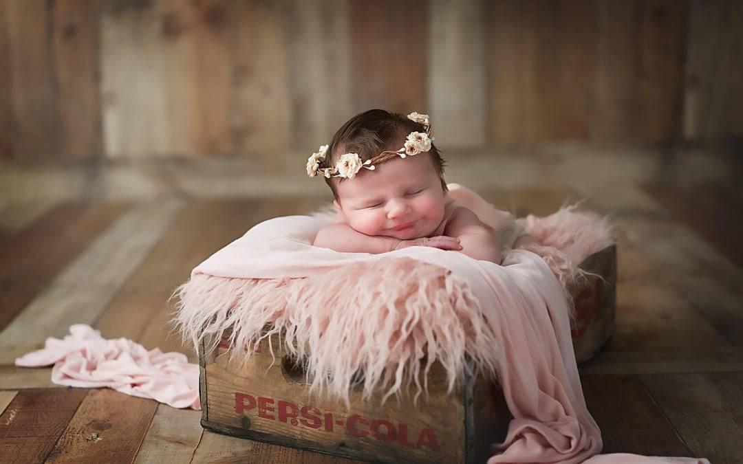 Sweet Amelia \\ Newborn Pictures