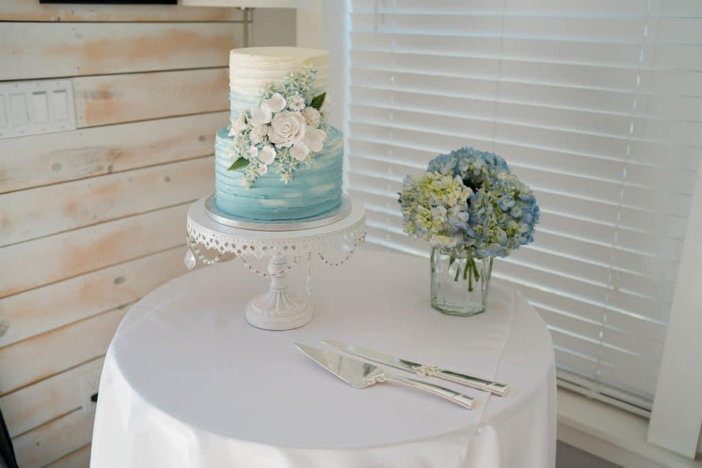 Beach wedding cake at Tonya and Jon's Washington Oaks State Park Wedding